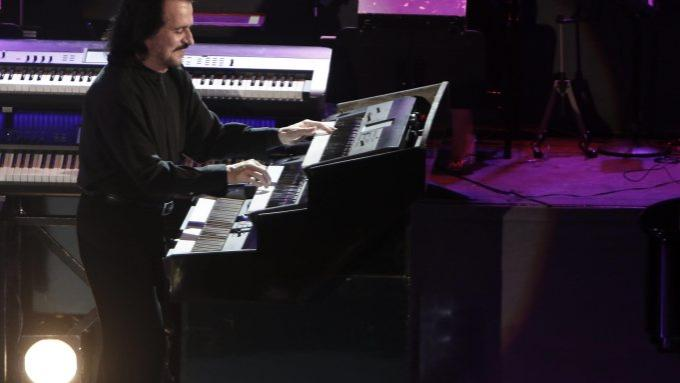 Yanni at Benedum Center